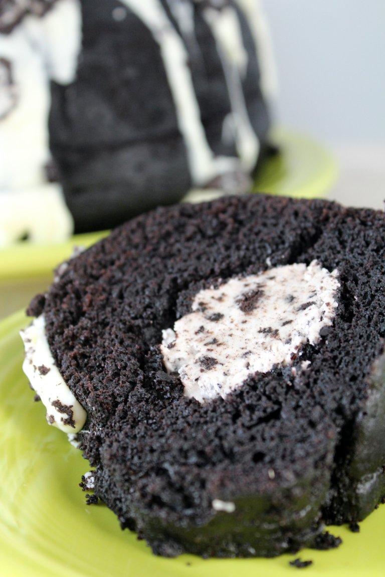 Oreo Bundt Cake 1